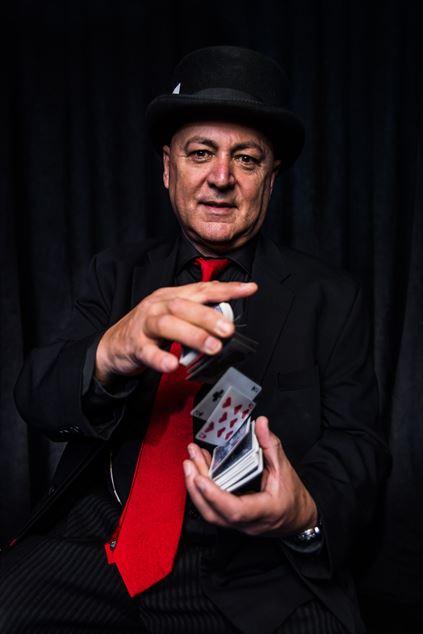 Gazzo Show / Magician